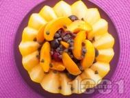 Пълнен пъпеш с плодове - праскови, кайсии, череши, мед и шоколад за десерт